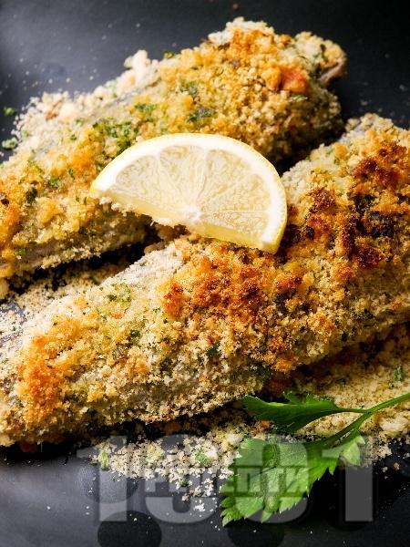 Бяла риба с крутони и пармезан на фурна - снимка на рецептата